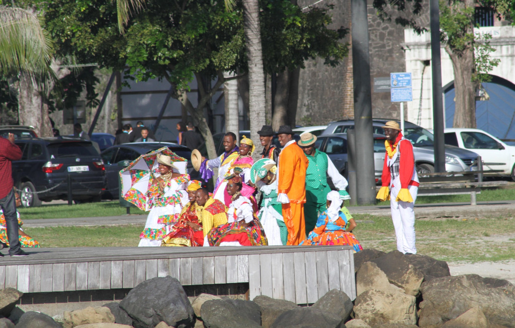 A colourful wedding party Martinique style