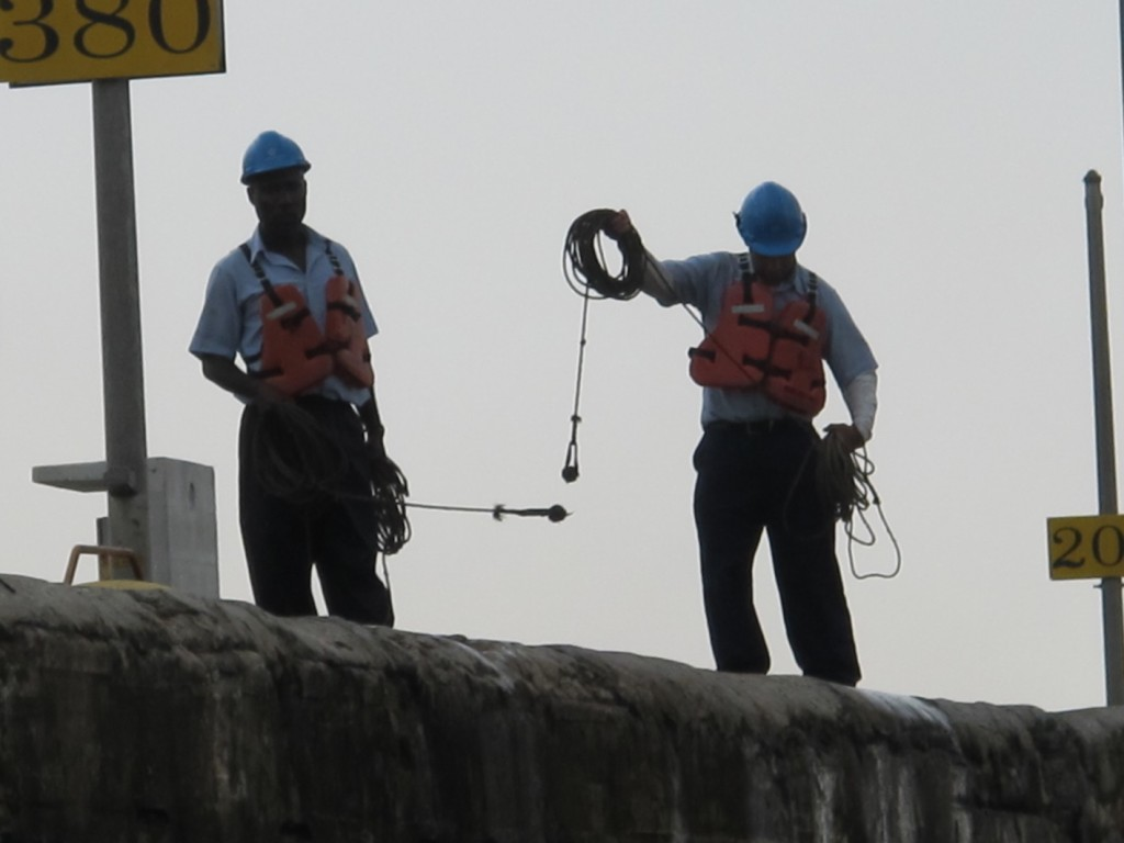 The line-throwers on the lock wall