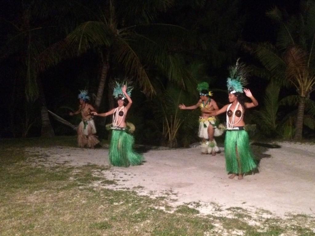 The cultural show at Temanu Beach Resort