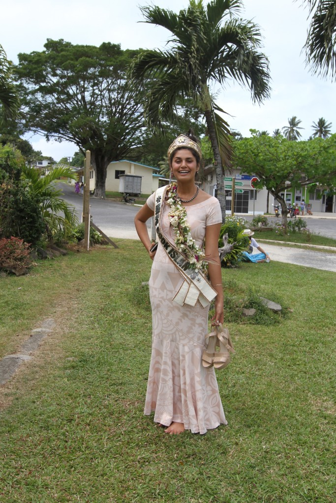 "We also bumped into ""Miss Cook Islands"" on our journey. A lovely young lady from Aitutaki"